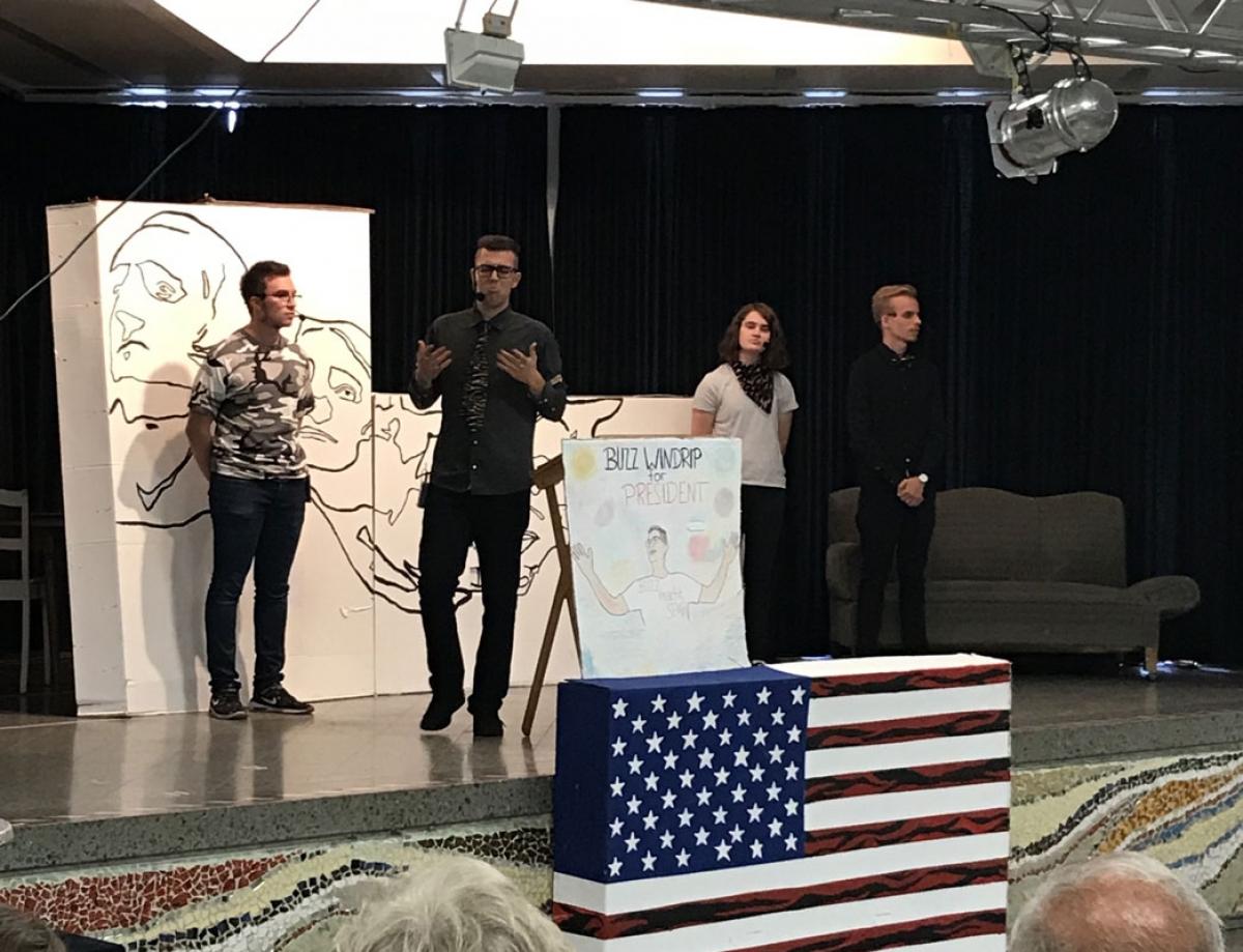 Leon Ramm als General Edgeways, Marvin Alizadeh als Buzz Windrip, Jule Völlmeke als Julia Falck, Nico Peters als Lee Sarason